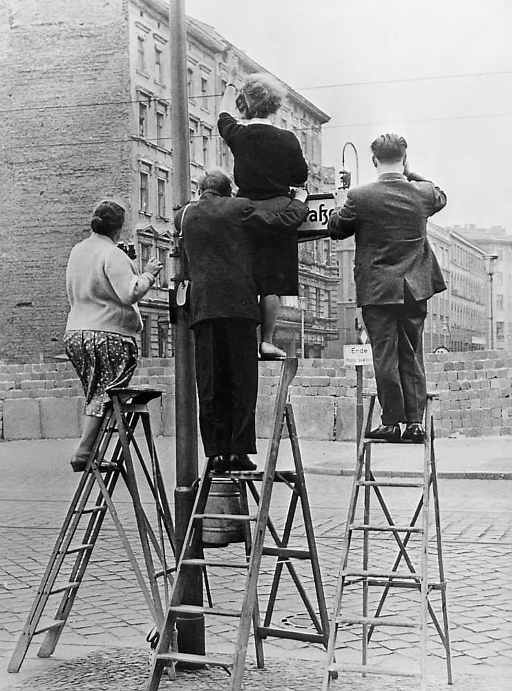 Verdeeld leven in berlijn story terrace - Muur van de ingang ...