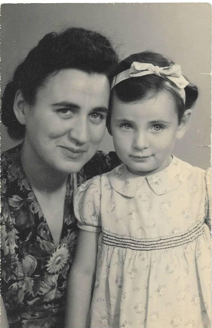 Afbeelding moeder en dochter Thumbnail